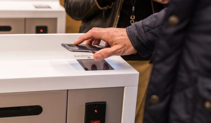 scanning smartphone